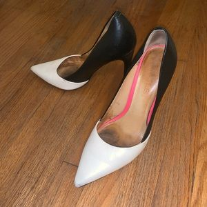 L.A.M.B Black White Pointed Heels Pumps Leather 8